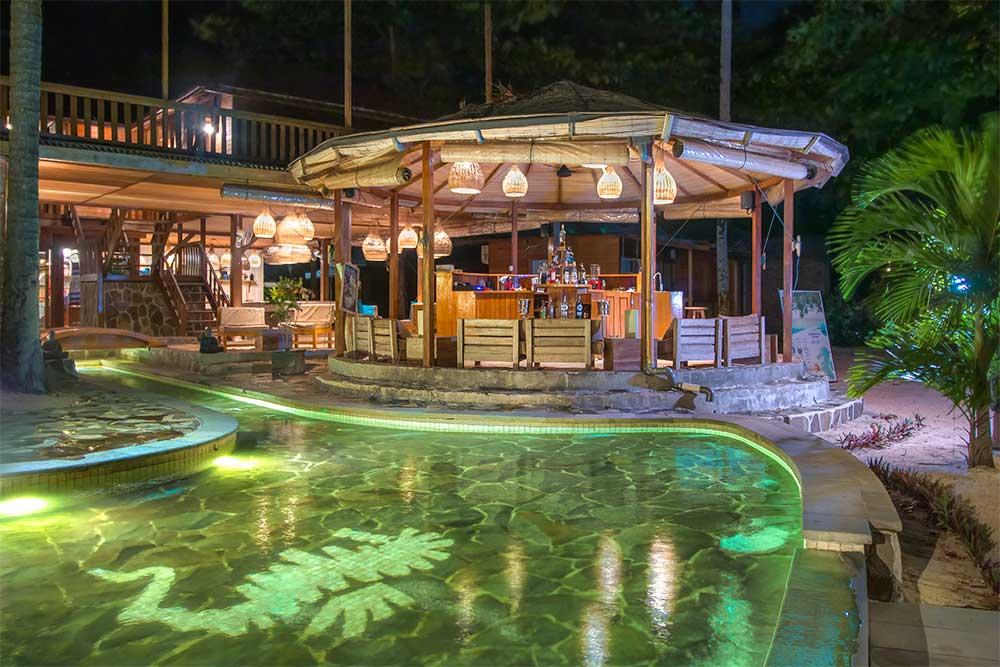 kudalaut-resort-siladen-bar3